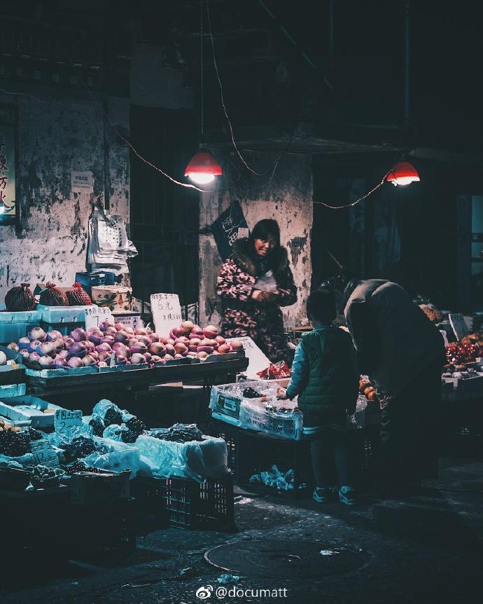 领略不同角度的武汉街头小巷美景